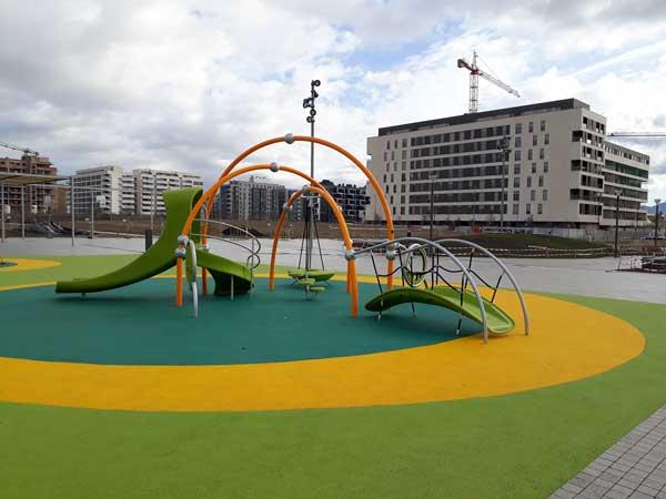 Hoy lunes se reabren los parques infantiles, gimnasios al aire libre, fuentes y ascensores urbanos