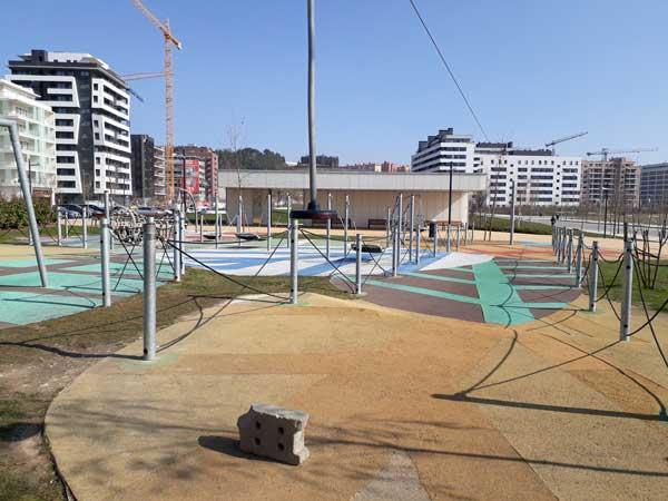 Refuerzo de la iluminación del parque infantil Alfredo Landa