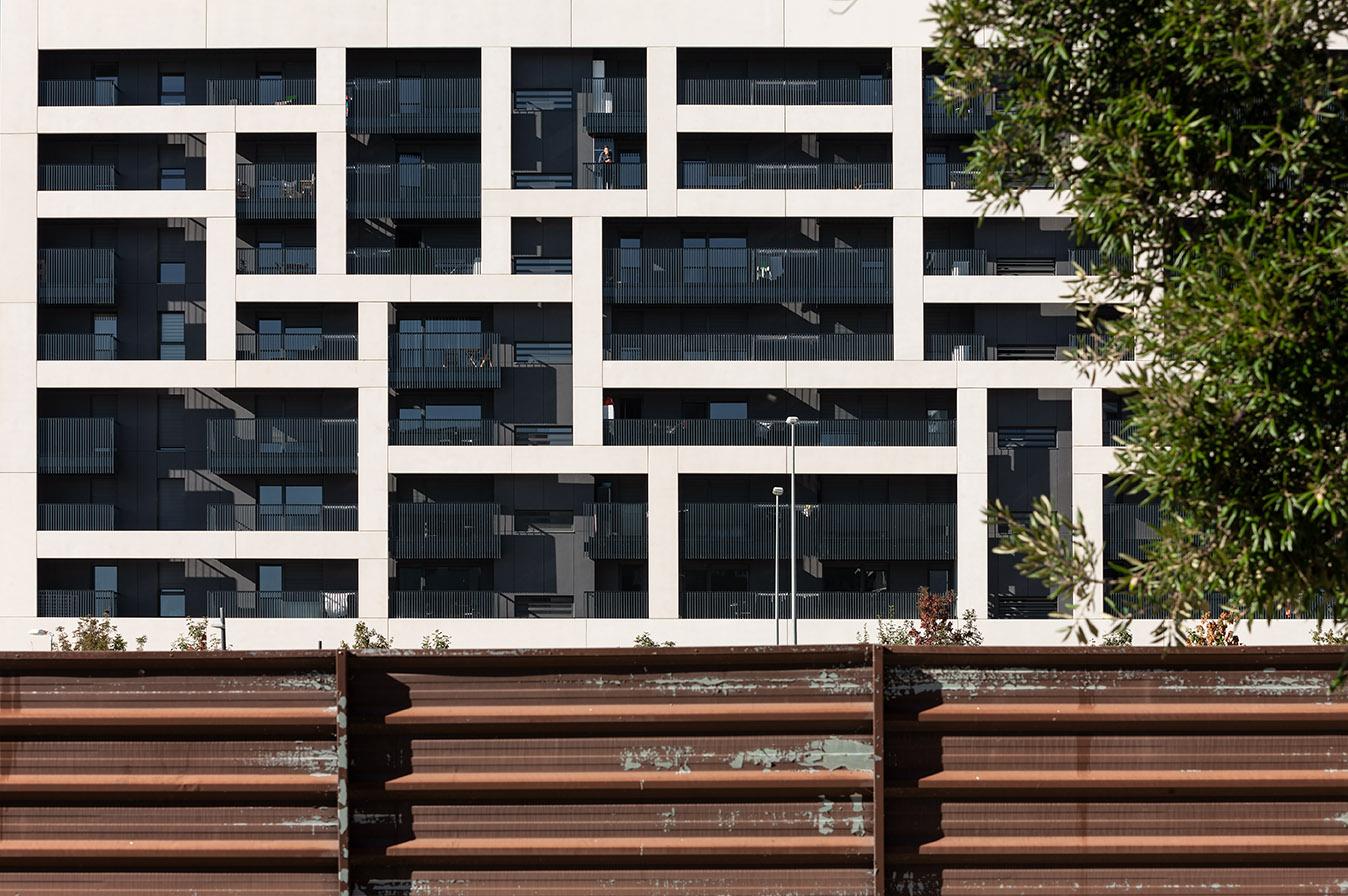 ah asociados, un estudio de arquitectura en el barrio