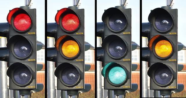 El Ayuntamiento de Pamplona instalará semáforos inteligentes en Lezkairu que se activan cuando son pulsados o los vehículos superan la velocidad permitida