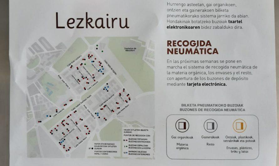 Carteles informativos sobre la recogida neumática en Lezkairu