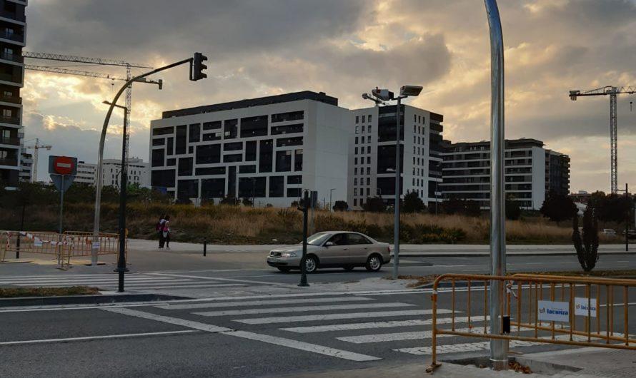 Instalación de semáforos en Avda. Juan Pablo II